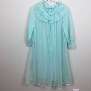 Vintage 1950s or 60s FORMFIT Rogers Robe S